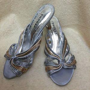 NWOT elegant satin sandals strass details